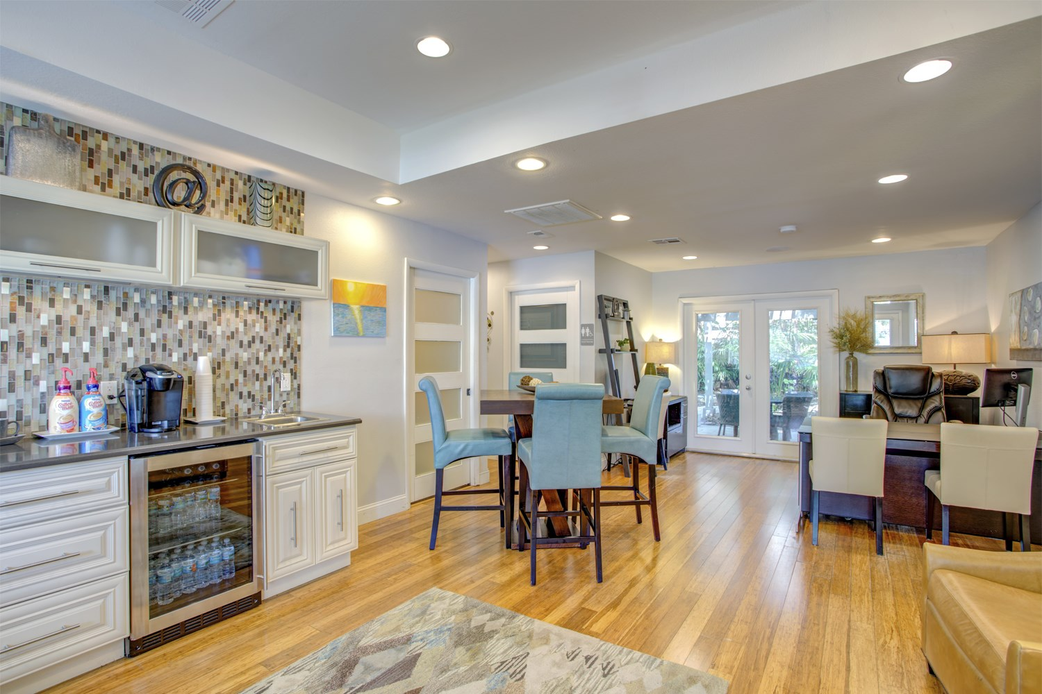 Welcome to Bungalow Oaks | Tampa Apartments