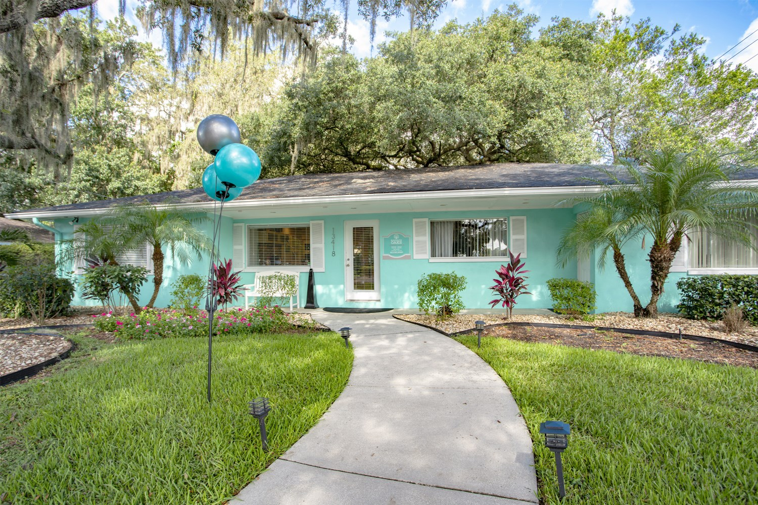 Bungalow Oaks leasing office in Tampa Florida