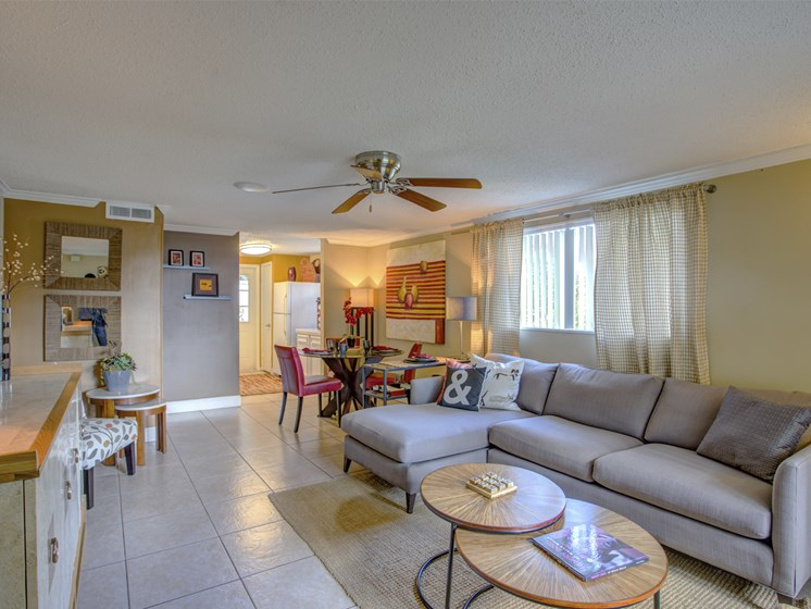 Bungalow Oaks apartment interior