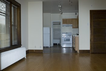 2124 Garfield Avenue South 1 Bed Apartment for Rent Photo Gallery 1