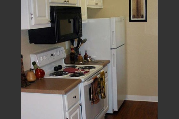 Spring Meadow Apartments 10030 N 43rd Avenue Glendale Az Rentcaf