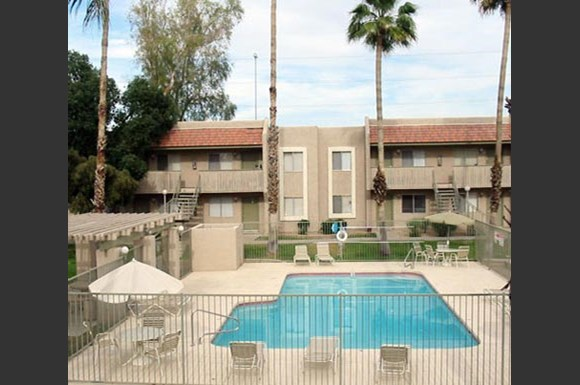Tuscany Pointe Apartments 14830 North Black Canyon Hwy