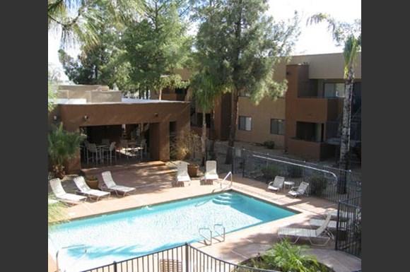 Summerhill place apartments 601 west ocotillo road glendale az rentcaf for Cheap 1 bedroom apartments in glendale az