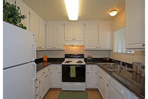 Full kitchen Interior