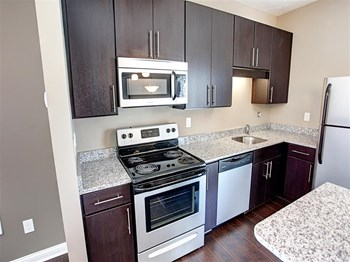 5350 Silverthorne Road 2 Beds Apartment for Rent Photo Gallery 1