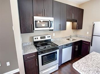 Brassie Avenue 2 Beds Apartment for Rent Photo Gallery 1