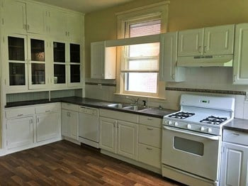 1623 Jefferson Ave 4 Beds House for Rent Photo Gallery 1