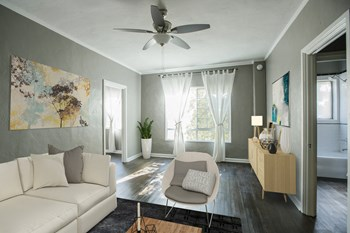 1825 North Kingsley Drive Studio-1 Bed Apartment for Rent Photo Gallery 1