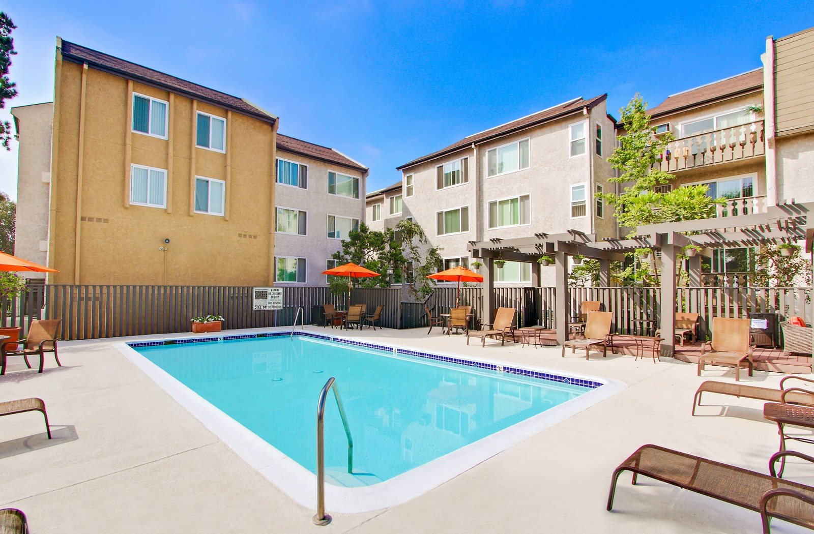 Apartments In Palms Los Angeles Woodcliff Apartments