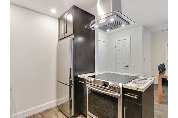 Stainless Steel Appliances at Woodcliff Apartments in The Palms neighborhood, Los Angeles