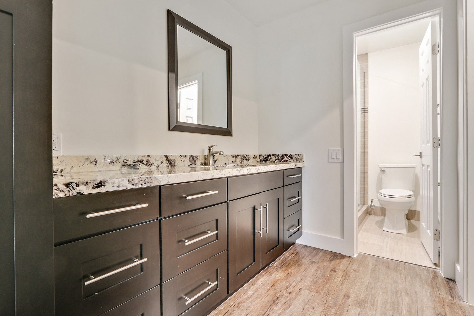 Master Bath at Woodcliff Apartments, 3201 Overland Avenue, 90034