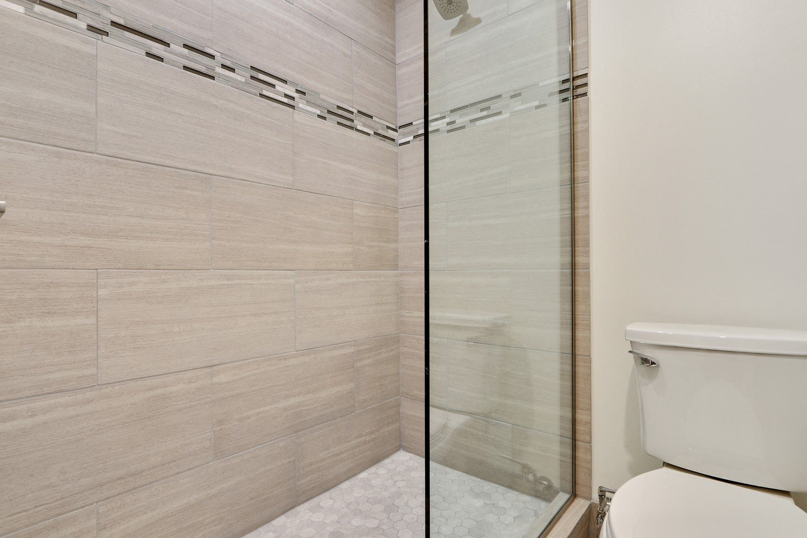 Glass Enclosed Showers at Woodcliff Apartments, California, 90034