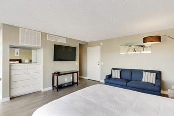 415 Washington Boulevard Studio-1 Bed Apartment for Rent Photo Gallery 1