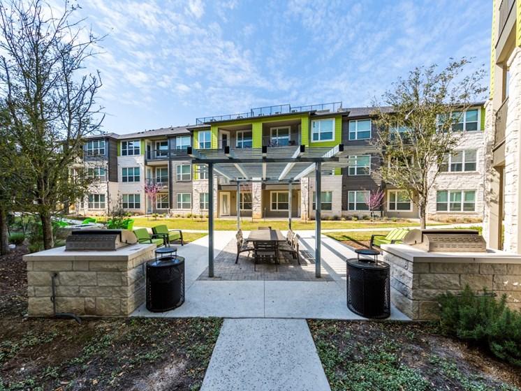 courtyard north austin apartments