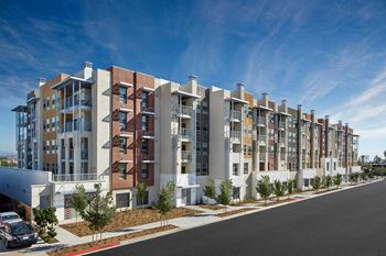 3939 Iowa Street 1-2 Beds Apartment for Rent Photo Gallery 1