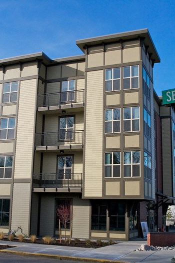 8370 Southeast Causey Avenue 2 Beds Apartment for Rent Photo Gallery 1