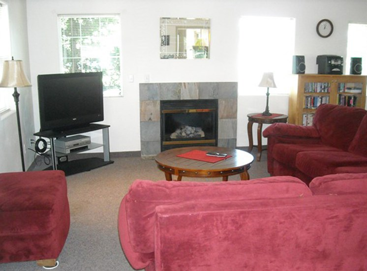 CountryRun_Photo_Livingroom