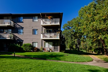 5450 SW Erickson Avenue 1-2 Beds Apartment for Rent Photo Gallery 1