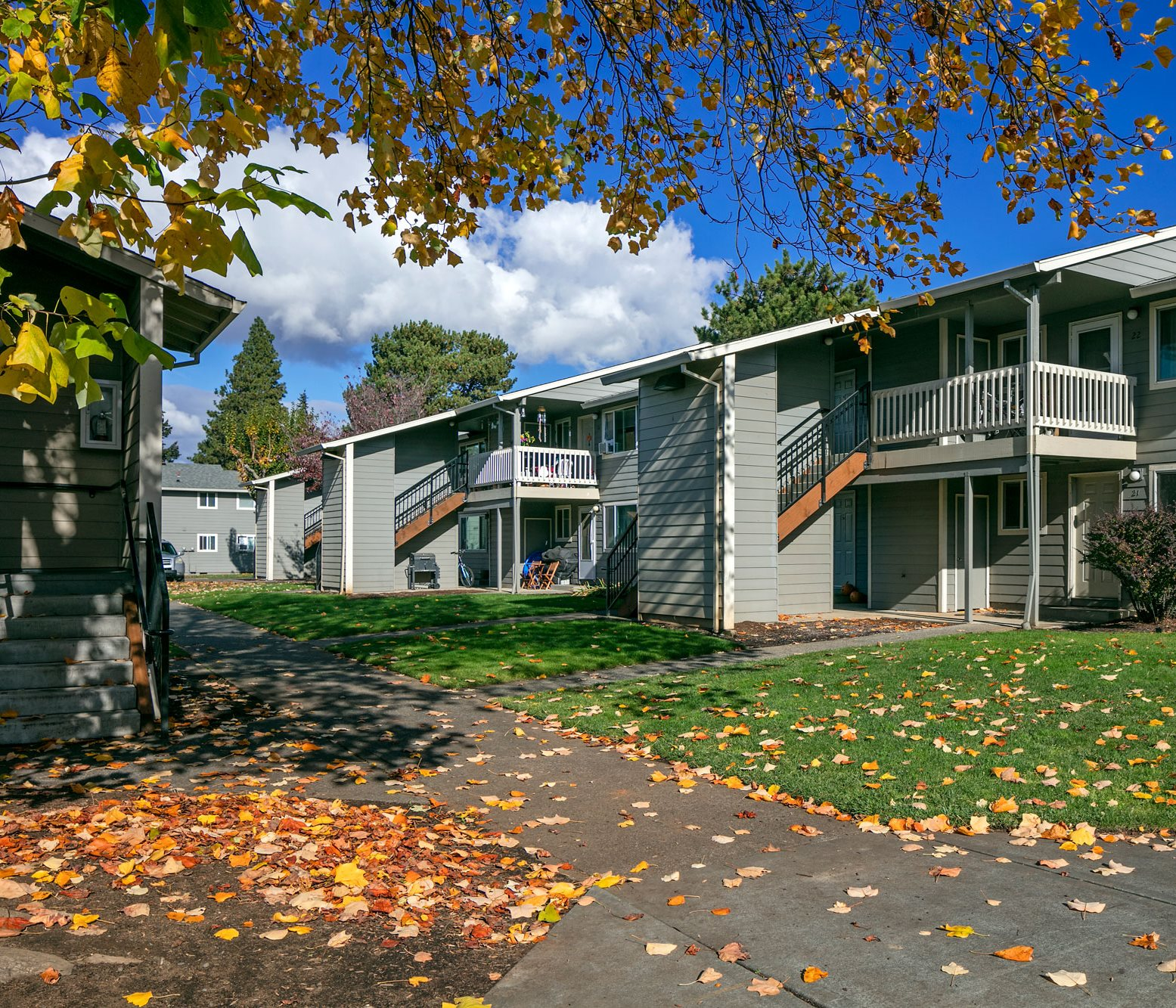 Indian Creek Village Apartments In Hood River Or
