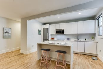 501 12Th Street NE 1-2 Beds Apartment for Rent Photo Gallery 1