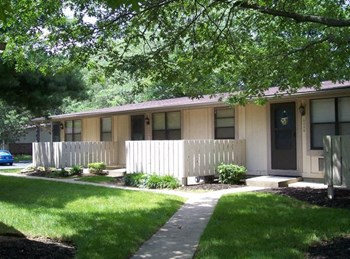 2413 South Green River Rd 1-2 Beds Apartment for Rent Photo Gallery 1