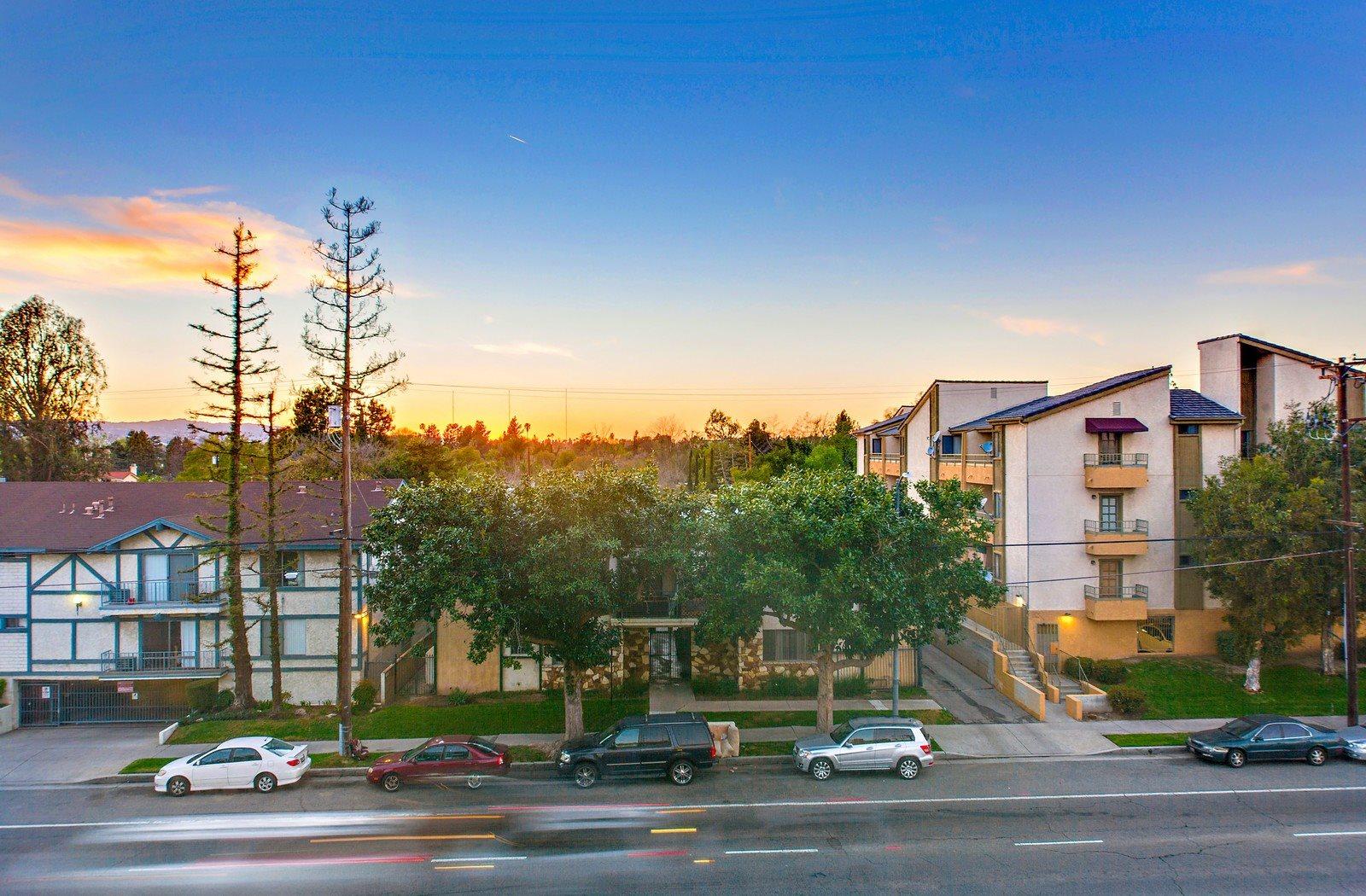 Valley Village Apartments Los Angeles Ca