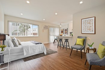 15215 Victory Blvd. Studio-2 Beds Apartment for Rent Photo Gallery 1