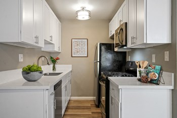 232-236 3Rd Ave Studio-1 Bed Apartment for Rent Photo Gallery 1