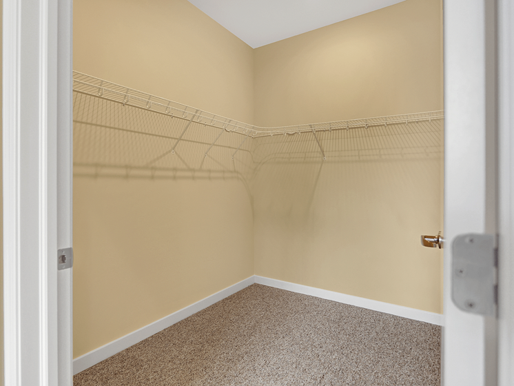 Apartment with walk in closet in State College, PA | Bellefonte Mews | Property Management, Inc.