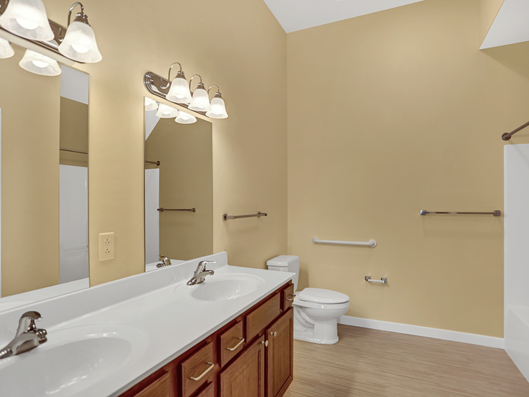 Large Bathroom Apartment in Bellefonte, PA | Bellefonte Mews | Property Management, Inc.