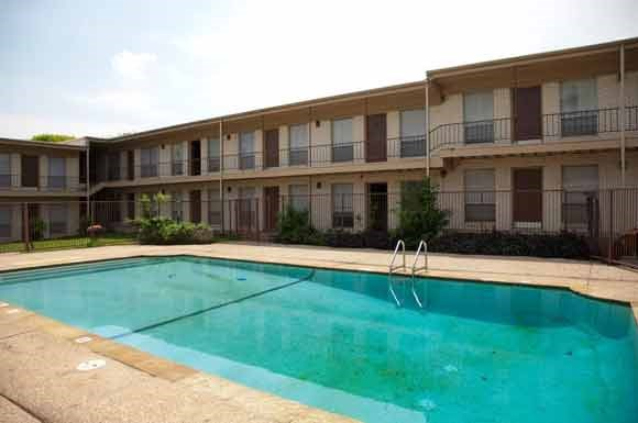 Glen Oaks Apartments 5101 Hawthorne Waco Tx Rentcaf