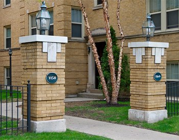 1158 S. Oak Park Ave. 1 Bed Apartment for Rent Photo Gallery 1