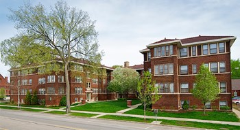 126-132 N Elmwood Ave and 418-426 Lake Street Studio-2 Beds Apartment for Rent Photo Gallery 1