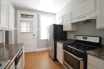 1412 N. Austin Blvd. 1-2 Beds Apartment for Rent Photo Gallery 1