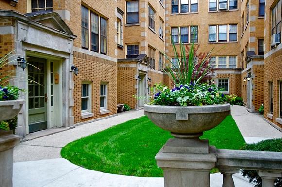 347-357 S  Harvey Ave & 238-250 Washington Blvd  Apartments