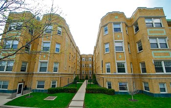 432-438 N. Austin Blvd. Studio-2 Beds Apartment for Rent Photo Gallery 1
