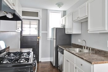 511 S. Cuyler Ave. Studio-1 Bed Apartment for Rent Photo Gallery 1