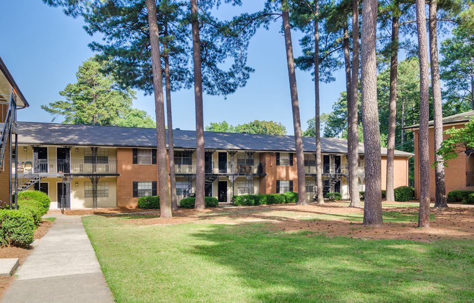 Large Trees at Galleria Courtyards Apartments in Smyrna, Georgia, GA
