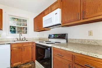 1-A Lakeview Drive 2 Beds Other for Rent Photo Gallery 1