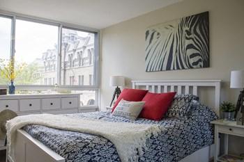 1101 Rue Rachel Est 1-2 Beds Apartment for Rent Photo Gallery 1
