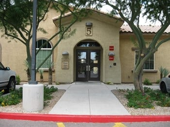 3330 E. Van Buren St 2-3 Beds Apartment for Rent Photo Gallery 1