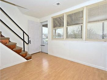 805 Regis Court 3 Beds House for Rent Photo Gallery 1