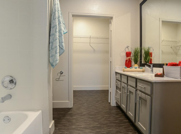 luxury bathrooms at Ellie Apartments, Austin, TX