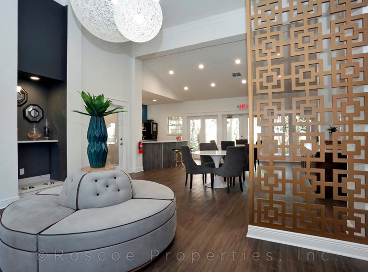 lobby_east_riverside_apartments