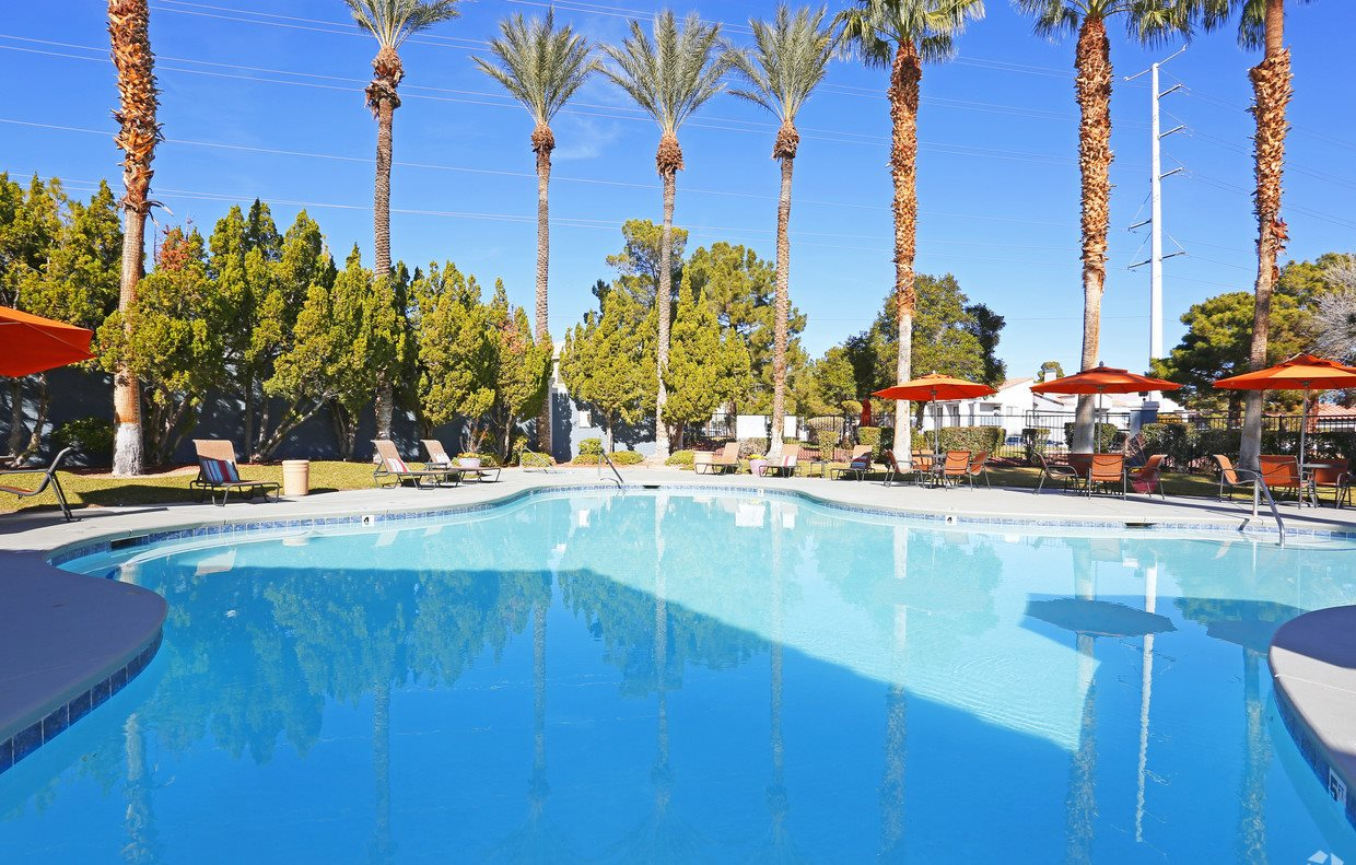 Main Pool Parc West Apartment Las Vegas