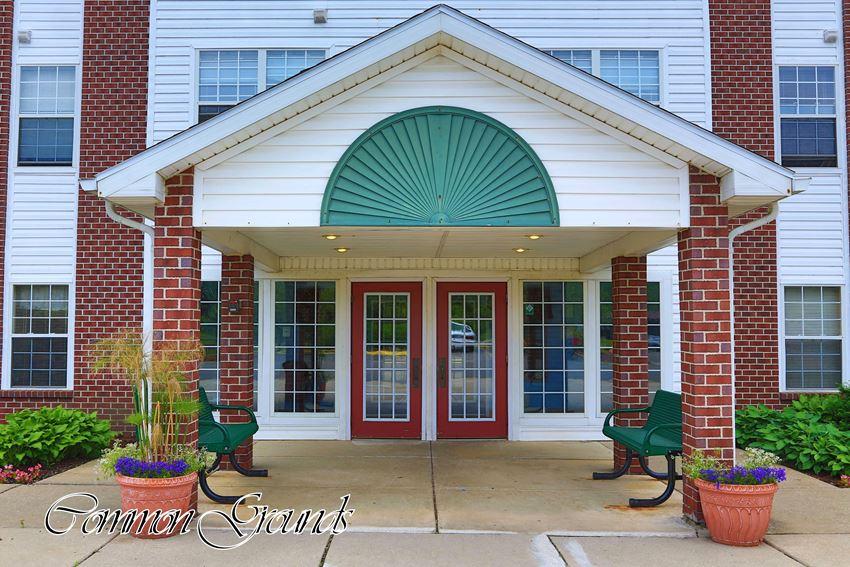 Colonial Woods Senior Apartments Lansing, MI