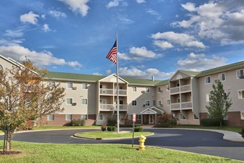 1900 Redbud Lane 1-2 Beds Apartment for Rent Photo Gallery 1