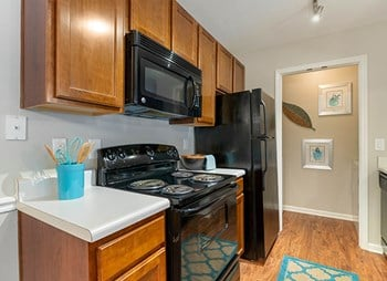 7100 Claxton Circle 1 Bed Apartment for Rent Photo Gallery 1