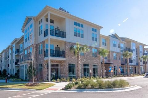 Building Exterior at Meridian at Fairfield Park, North Carolina, 28412