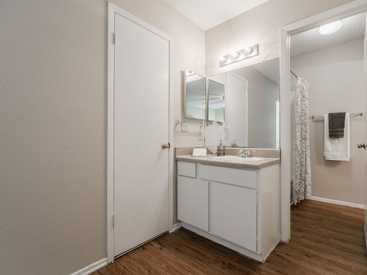Country Square Apartments, Carrollton, Texas